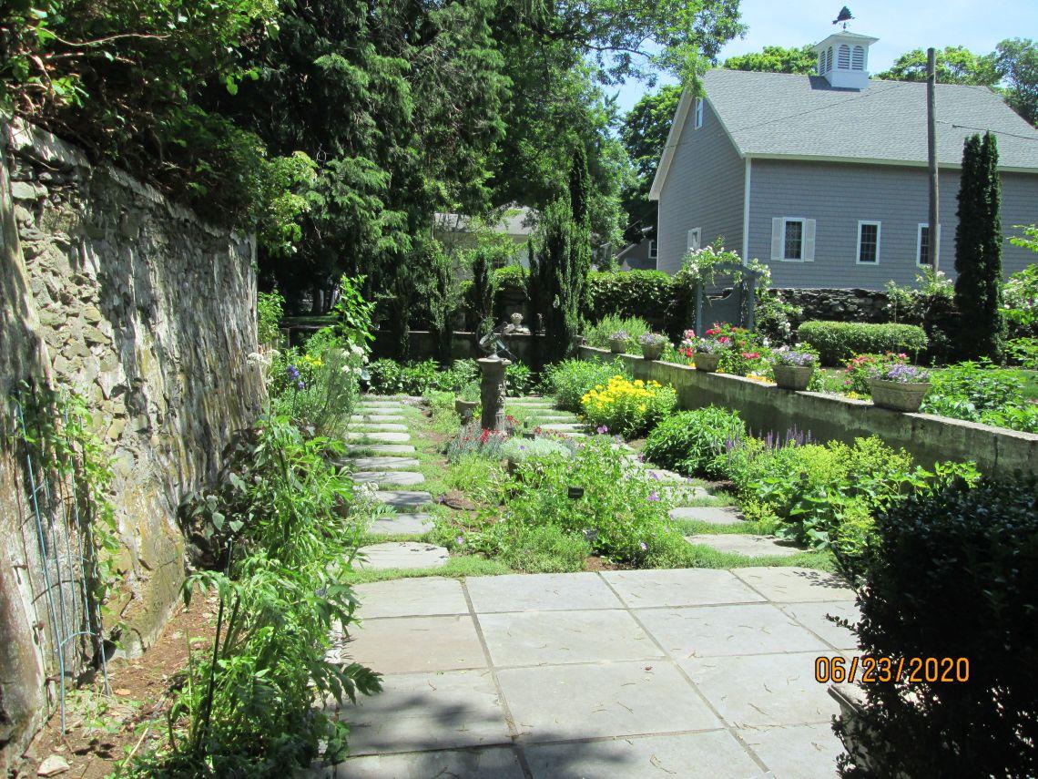 Arboretum Herb Garden