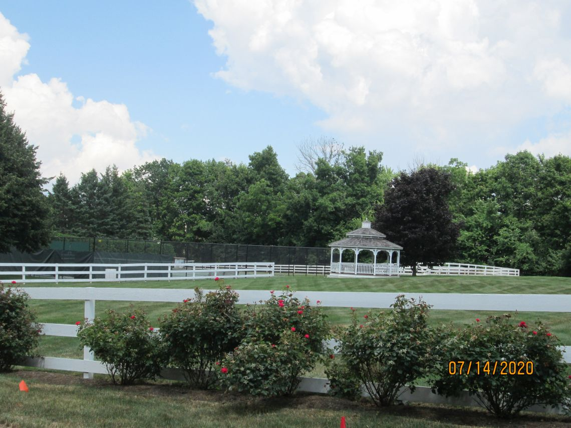 Large Paddock and Gazebo